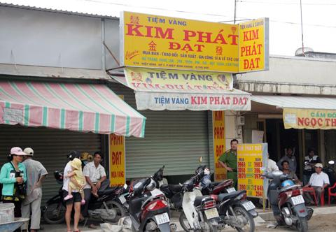 Cướp tiệm vàng giữa ban ngày tại Sài Gòn