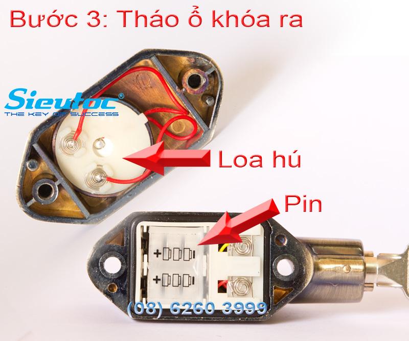 Bước 3 thay pin cho khóa chống trộm Kinbar