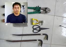 Tên trộm chuyên cắt khóa trộm cắp nhà dân